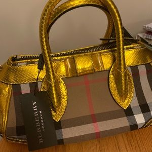 Burberry purse, gold and traditional plaid